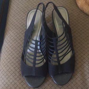 IMPO Strappy Comfort Sandals Black 8.5